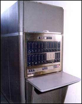 </p><p>IBM-650 Data Processing Machine